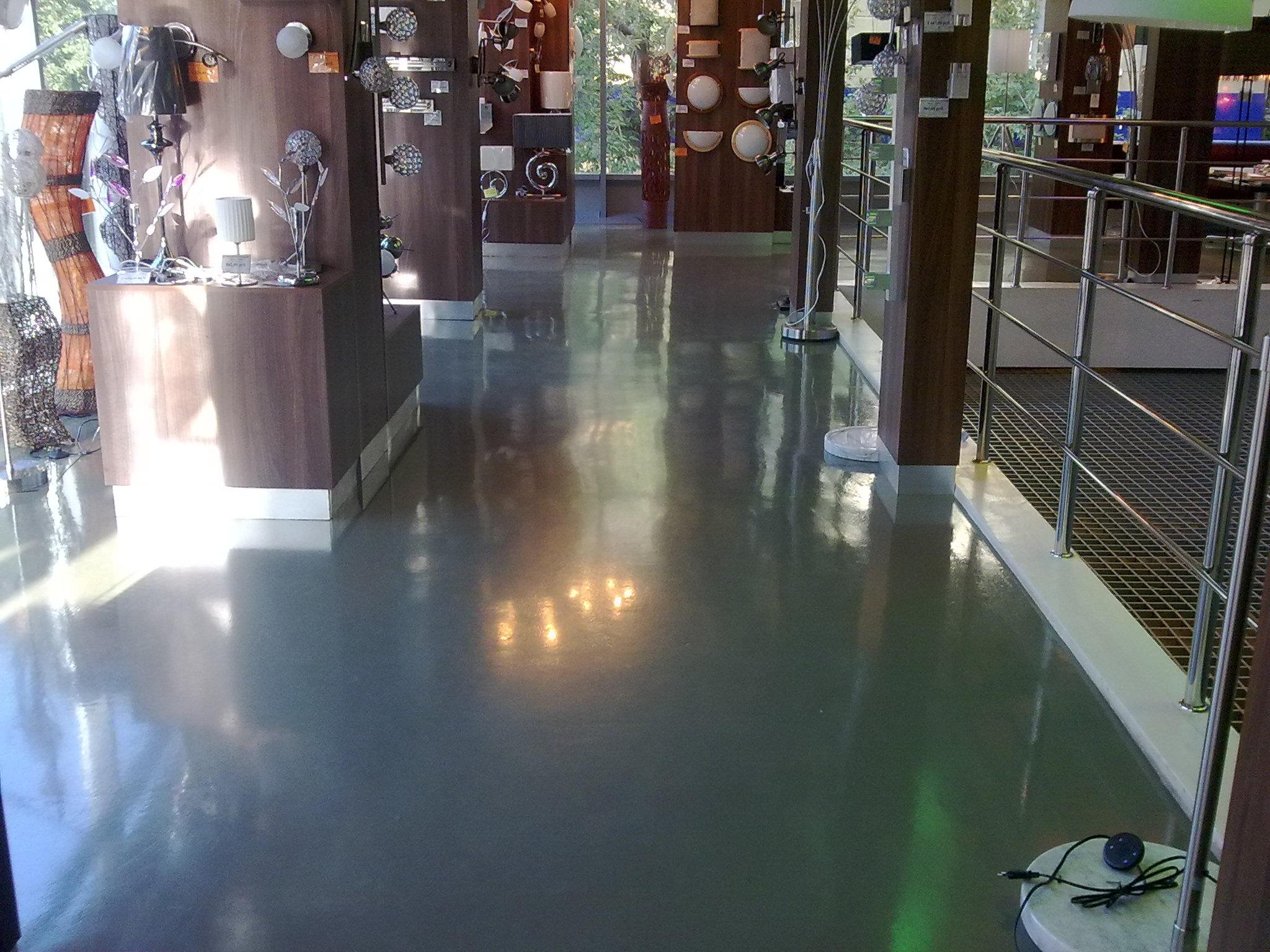 Краска для бетонного пола в магазине