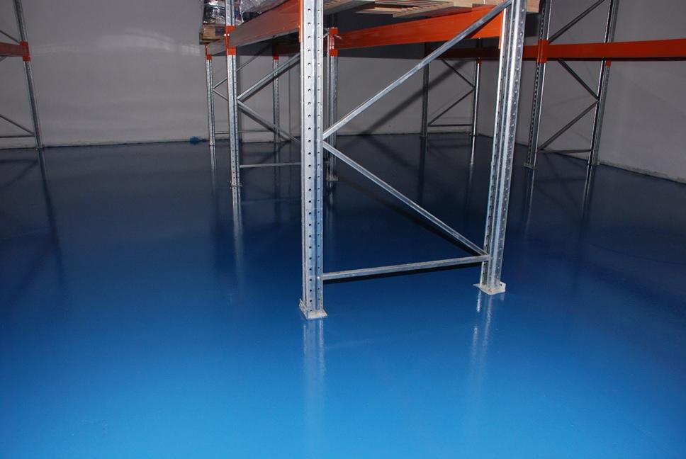 Полиуретановая краска для бетонного пола на складе